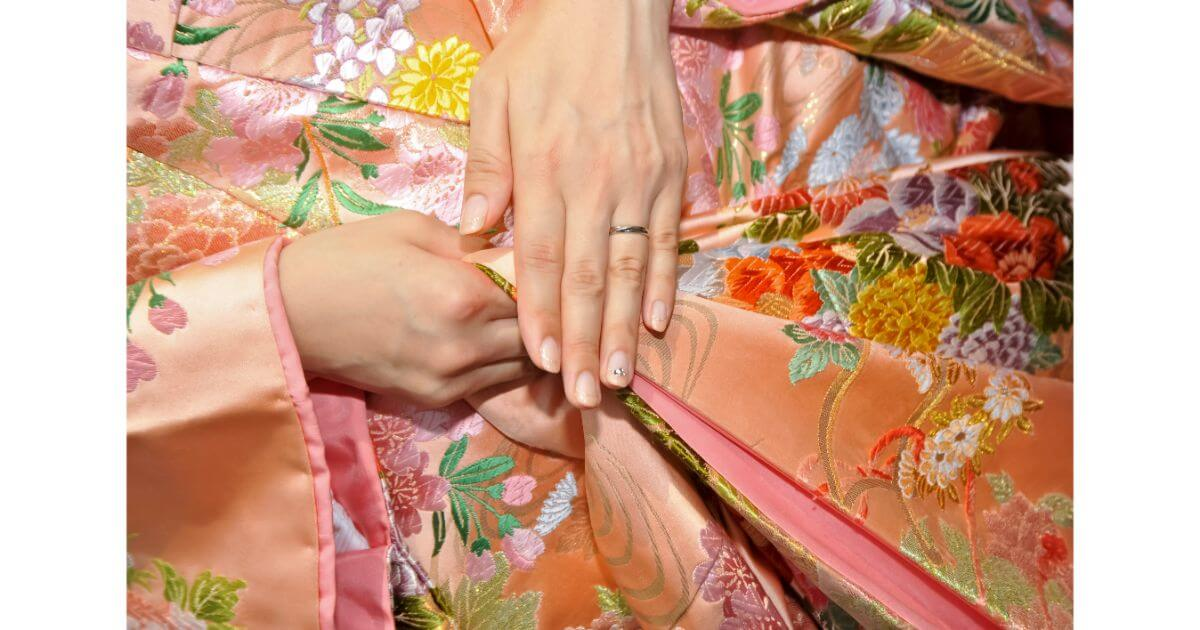 結婚式で着る着物でおすすめの色や柄をおすすめ